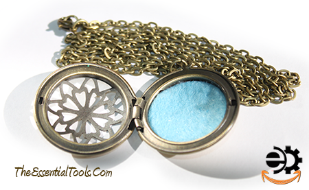 Locket Necklace Oil Diffuser Bronze Vintage w/colored pad